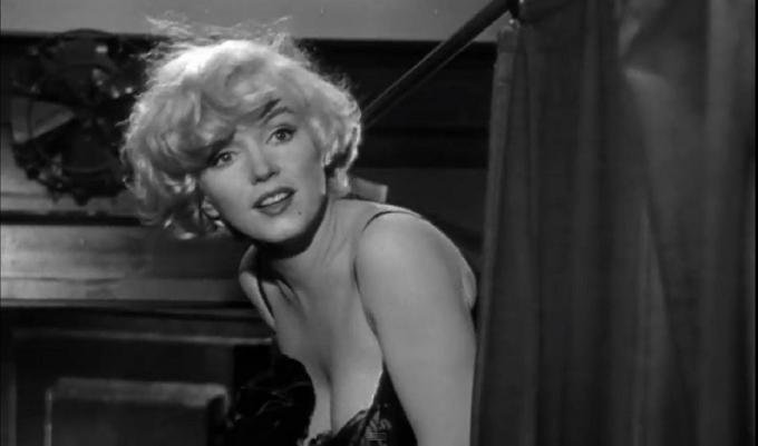 Divine Marilyn exhibition; the essence of glamour