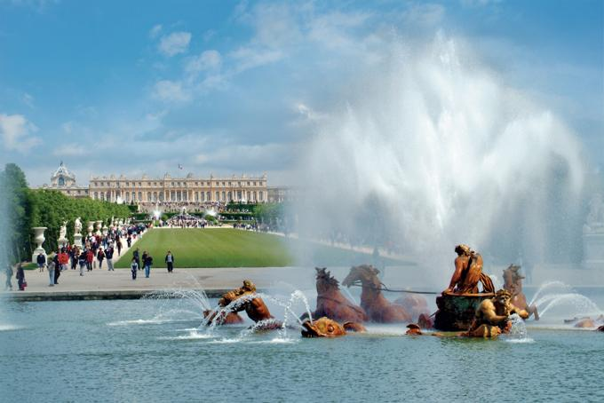 The enchantment of the Musical Fountains Show of Versailles