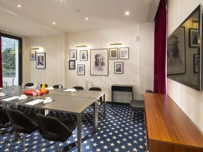 Your conference in the heart of Paris